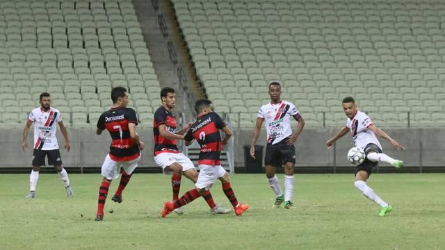 whatsapp image 2018 07 01 at 22.00.28 - Ferroviário bate Campinense em 1º duelo das quartas da Série D