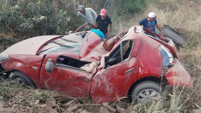 39165075 2166941263631703 6020258562201092096 n 696x392 - TRAGÉDIA: Grave acidente envolvendo cantora paraibana deixa uma pessoa morta