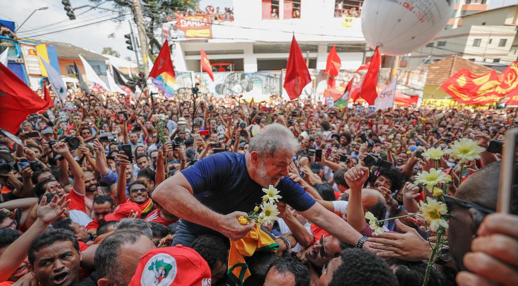 PESQUISA IBOPE: Lula lidera corrida presidencial, com 37%; Bolsonaro tem 18%