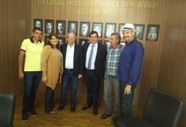 Deputado Jeová Campos se reúne com superintendente do  DER para tratar de estradas de Bonito de Santa Fé