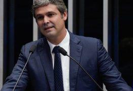 Candidatura de Lindbergh Farias à reeleição é impugnada pelo MPE