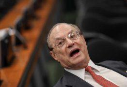 Em decisão unânime, Mesa da Câmara cassa mandato de Paulo Maluf