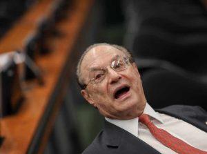 Paulo Maluf 2 3 868x644 300x223 - Em decisão unânime, Mesa da Câmara cassa mandato de Paulo Maluf