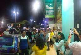 TODO GOLPISTA É INIMIGO DA NAÇÃO: Cássio é hostilizado pela população após entrevista em Guarabira – VEJA VÍDEO!
