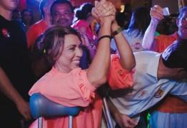 Cida Ramos reúne mais de 3 mil pessoas em inauguração de comitê em João Pessoa e lidera caminhada até o Busto de Tamandaré