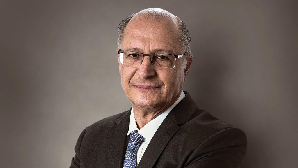 """alckmin - Alckmin critica Bolsonaro e diz que rival é """"passaporte para volta do PT"""""""