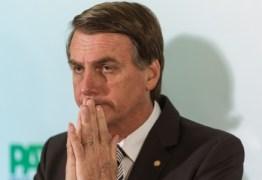 Bolsonaro mantém intenção de voto, mas segue crescendo em rejeição