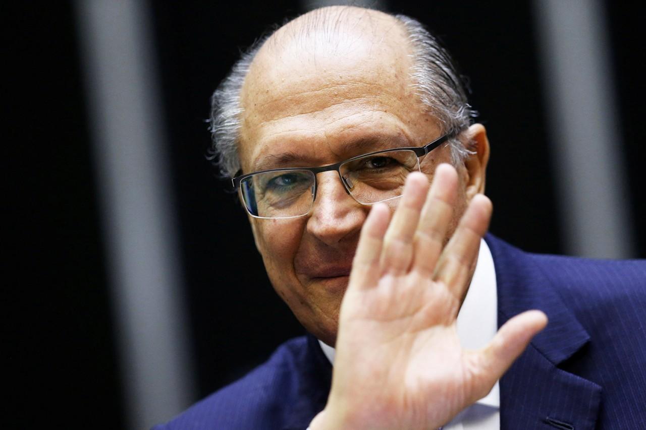 brasil poltiica geraldo alckmin bolsonaro 20180425 0003 copy - Duelos: Geraldo no alvo, Meirelles nocauteado por Dias, Marina nada zen - Por Helena Chagas