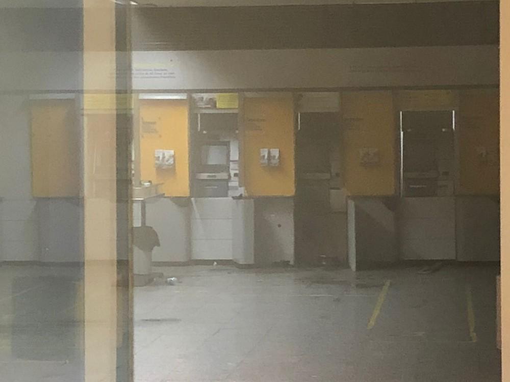 caixa eletronico arrombado beira rio - Grupo armado arromba caixa eletrônico de agência bancária em João Pessoa