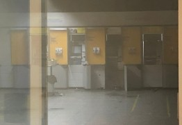 Grupo armado arromba caixa eletrônico de agência bancária em João Pessoa