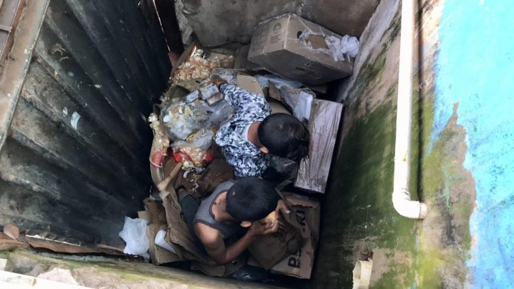criancas 1024x576 - DESCASO: Crianças venezuelanas buscam comida no lixo em Pacaraima