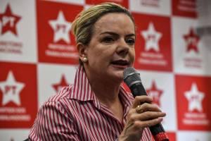 gleisi hofmman 300x200 - Agência ligada ao PT é acusada de contratar influenciadores digitais para elogiar candidaturas do partido no Twitter