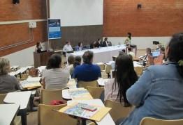 Capes divulga nota sobre PEC dos Gastos que vai acabar com bolsas de pós-graduação em 2019