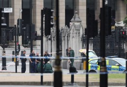 Atropelamento em Londres está sendo tratado como ataque terrorista