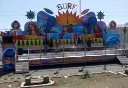 Quatro meninas são arremessadas de brinquedo em parque de diversão