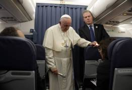 Guerra ideológica no Vaticano pode abalar papado de Francisco