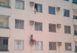 Homem que espancou a esposa se joga de prédio para fugir da polícia – VEJA VÍDEO!