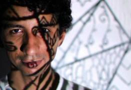 Cantor e compositor paraibano lança álbum produzido por filho de Gilberto Gil