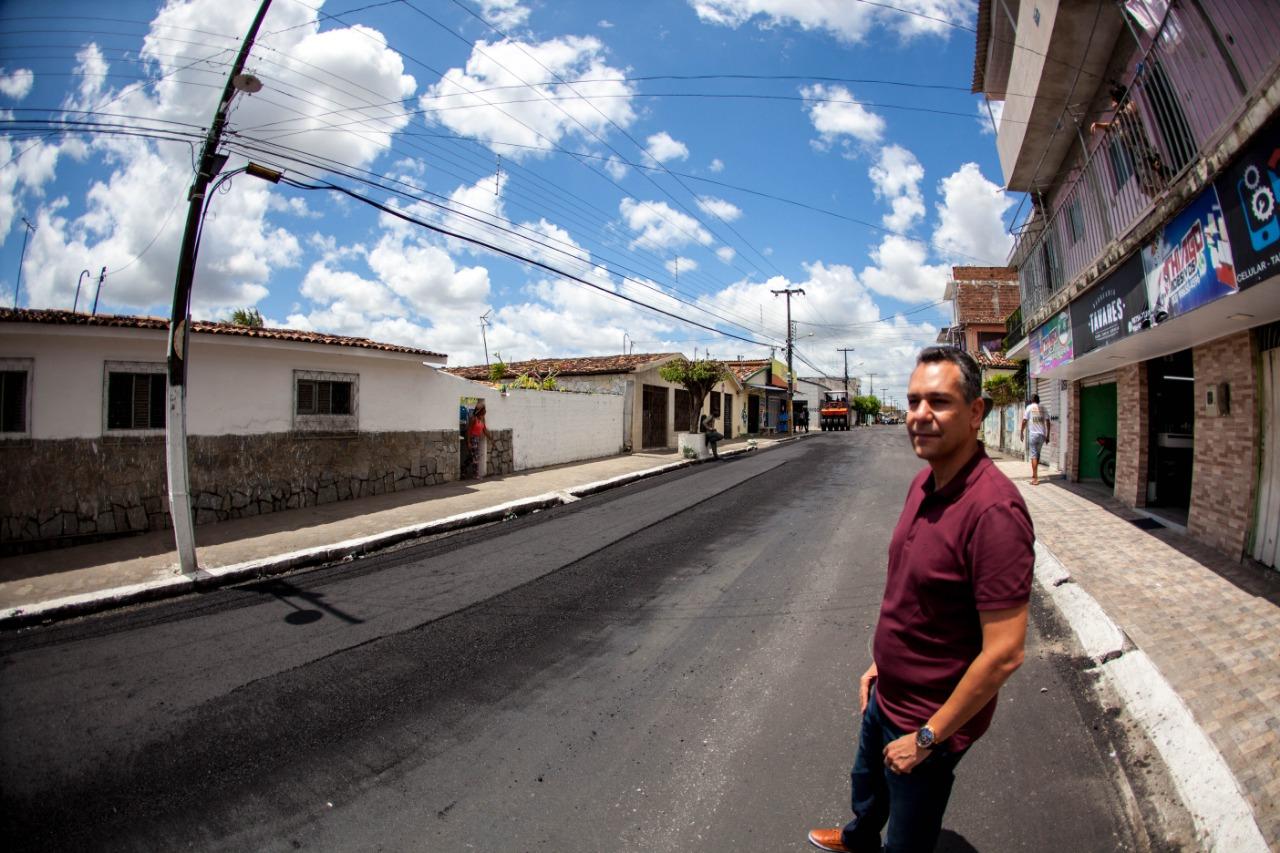 0b32d4a5 b0db 4059 8f7a bd32f93f0970 - Bairros de Santa Rita recebem obras de pavimentação