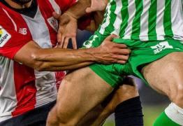 Jogador espanhol publica foto 'comprometedora' no Twitter e imagem viraliza