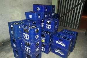 1 ambev 7949638 300x201 - Policial militar é preso com 719 garrafas de cerveja roubadas de caminhão