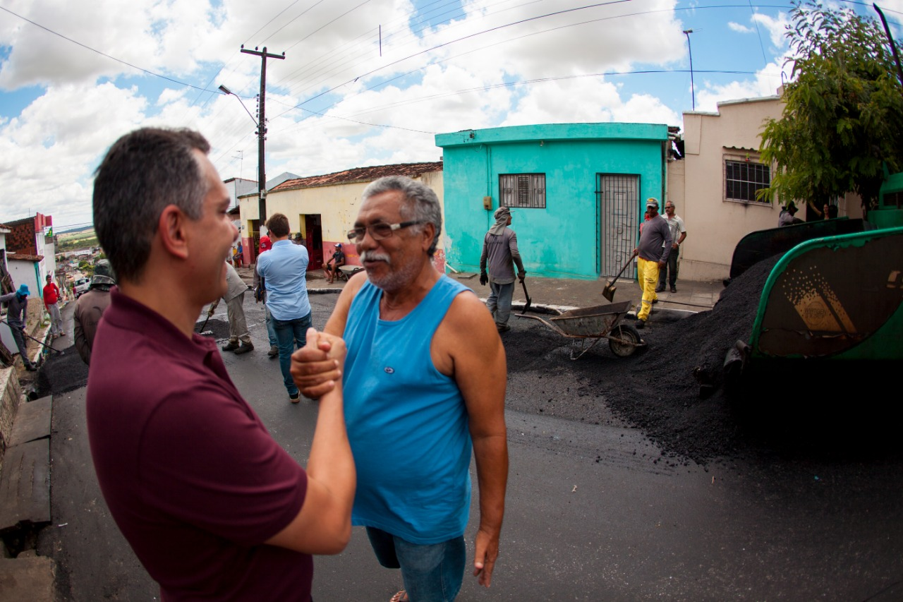 41992028 b540 4b16 985a 8dd1af89978b - Bairros de Santa Rita recebem obras de pavimentação