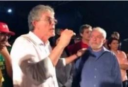 """Ricardo não vê coerência em apreensão de material de campanha com presença de Lula: """"Ninguém mata uma ideia desse jeito, na repressão ou abafamento"""""""