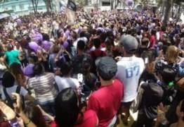 ELE NÃO: em Campina Grande, mulheres enchem as ruas e lotam praça contra Bolsonaro – VEJA VÍDEOS