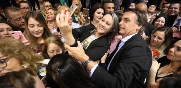 Bolsonaro com mulheres - Pesquisa Ibope diz que Bolsonaro lidera entre mulheres e evangélicos