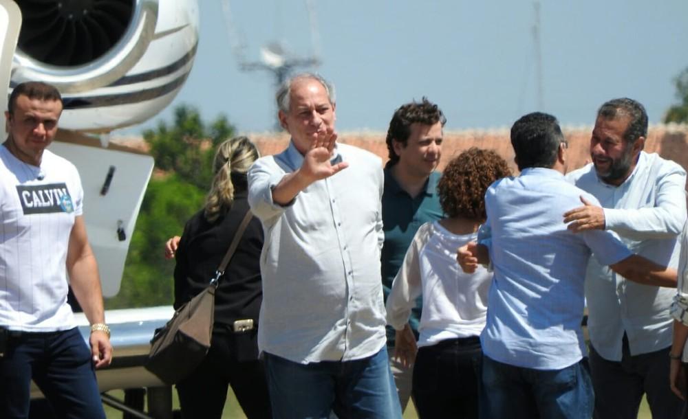 Ciro Gomes - Ciro diz em Boa Vista que se eleito vai propor teto de R$ 5 mil para aposentadoria