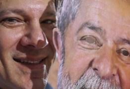 Deu na Folha: PT vai trocar de candidato dia 11