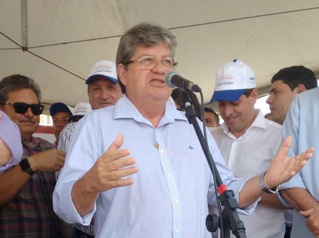 João Azevedo participa de Caravana do Trabalho em cidades do Brejo