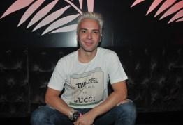Matheus Mazzafera estreia no Vídeo Show e leva espontaneidade à TV