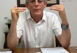 Em live, Ricardo diz que oposição precisa explicar relação com crime organizado