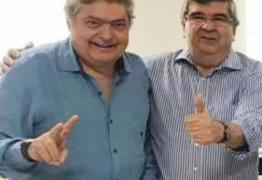 Roberto Paulino recebe adesão do empresário, médico e educador Dalton Gadelha
