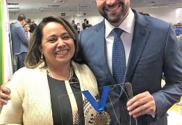 Abimadabe Vieira, educadora do Detran-PB, recebe Medalha 'Em Defesa do Trânsito'