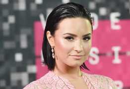 REHAB: Demi Lovato volta a se internar em clínica de reabilitação, diz site