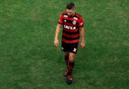 Diego nega ter ofendido árbitro e questiona expulsão em clássico contra o Vasco