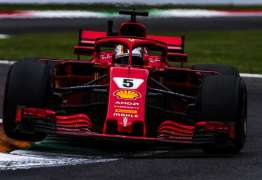 Vettel consegue manter Ferrari absoluta durante treinos livres na Itália