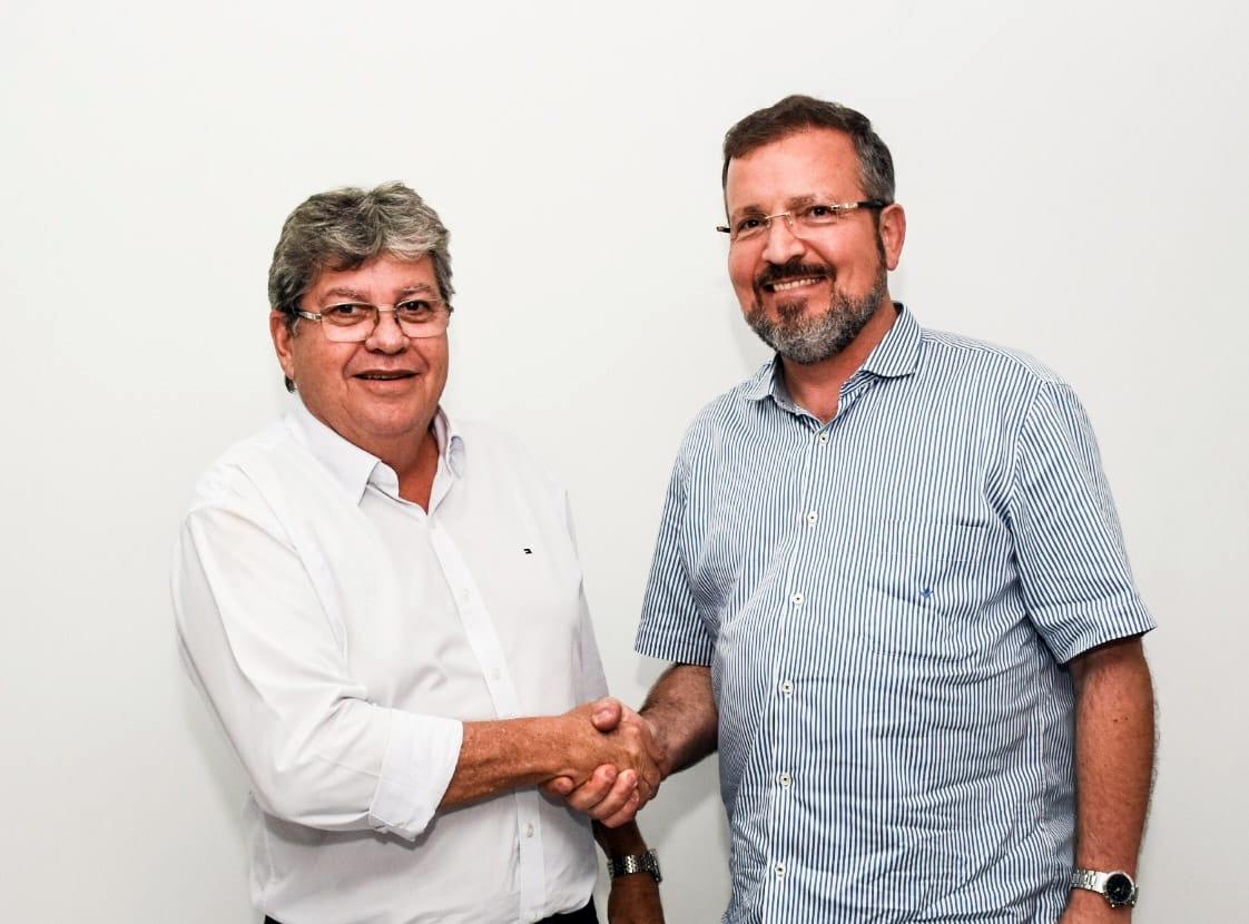 joão azevedo 1 - Ex-prefeito de Areia, Elson Cunha Lima anuncia apoio à candidatura de João Azevedo, 'arsenal de obras'