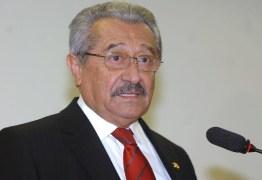 Em Pedras de Fogo, José Maranhão participa de comício