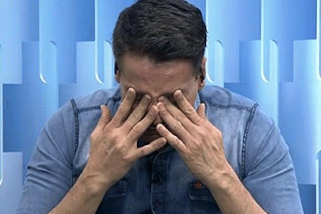 léo dias chorando - Léo Dias chora ao anunciar tratamento contra vício em drogas - Veja Vídeo
