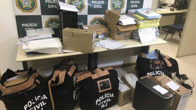 xdiploasfalsos policiacivil.jpeg.jpg.pagespeed.ic .z1lr Jf1V1 - OPERAÇÃO NOTA ZERO: Veja lista das instituições que emitiram diplomas falsos por todo Brasil