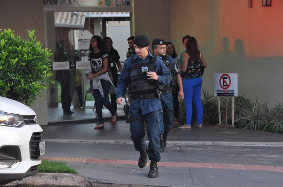 Menino de 9 anos pega a arma do pai e dispara contra si mesmo dentro do Colégio Adventista