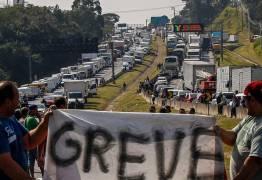 Greve dos caminhoneiros diminuiu produtividade da indústria, diz CNI