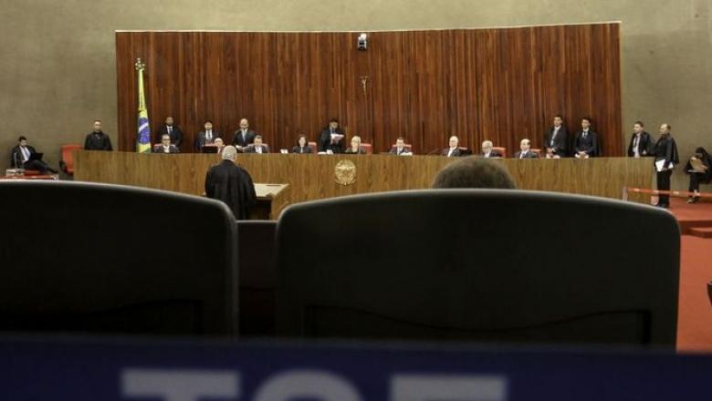 PESQUISA REAL TIME BIG DATA: diferença entre Bolsonaro e Haddad recua de 20% para 16% dos votos válidos