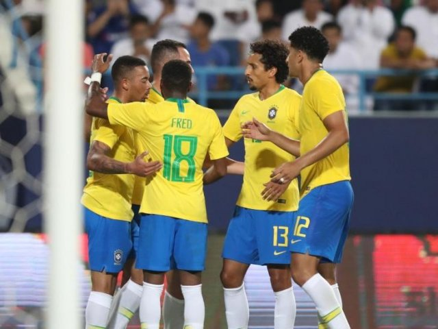 Com gols de Gabriel Jesus e Alex Sandro, Brasil vence Arábia Saudita por 2 a 0