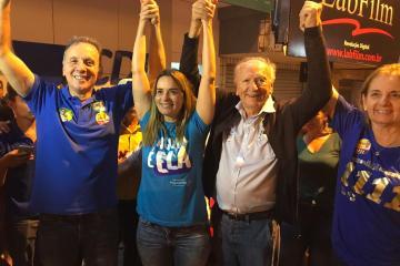 Aguinaldo e Daniella - Aguinaldo comemora reeleição e a vitória expressiva de Daniella Ribeiro para o Senado e dos aliados Galego Souza e Paula Frassinetti para ALPB