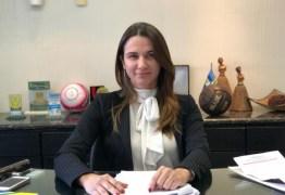 Indefinição da equipe técnica e canal direto com a CBF marcam o primeiro mês de Michelle na FPF