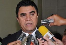 ELEIÇÃO PARA A CÂMARA FEDERAL: Santiago opta por Maia mas poderá mudar voto após decisão do PTB